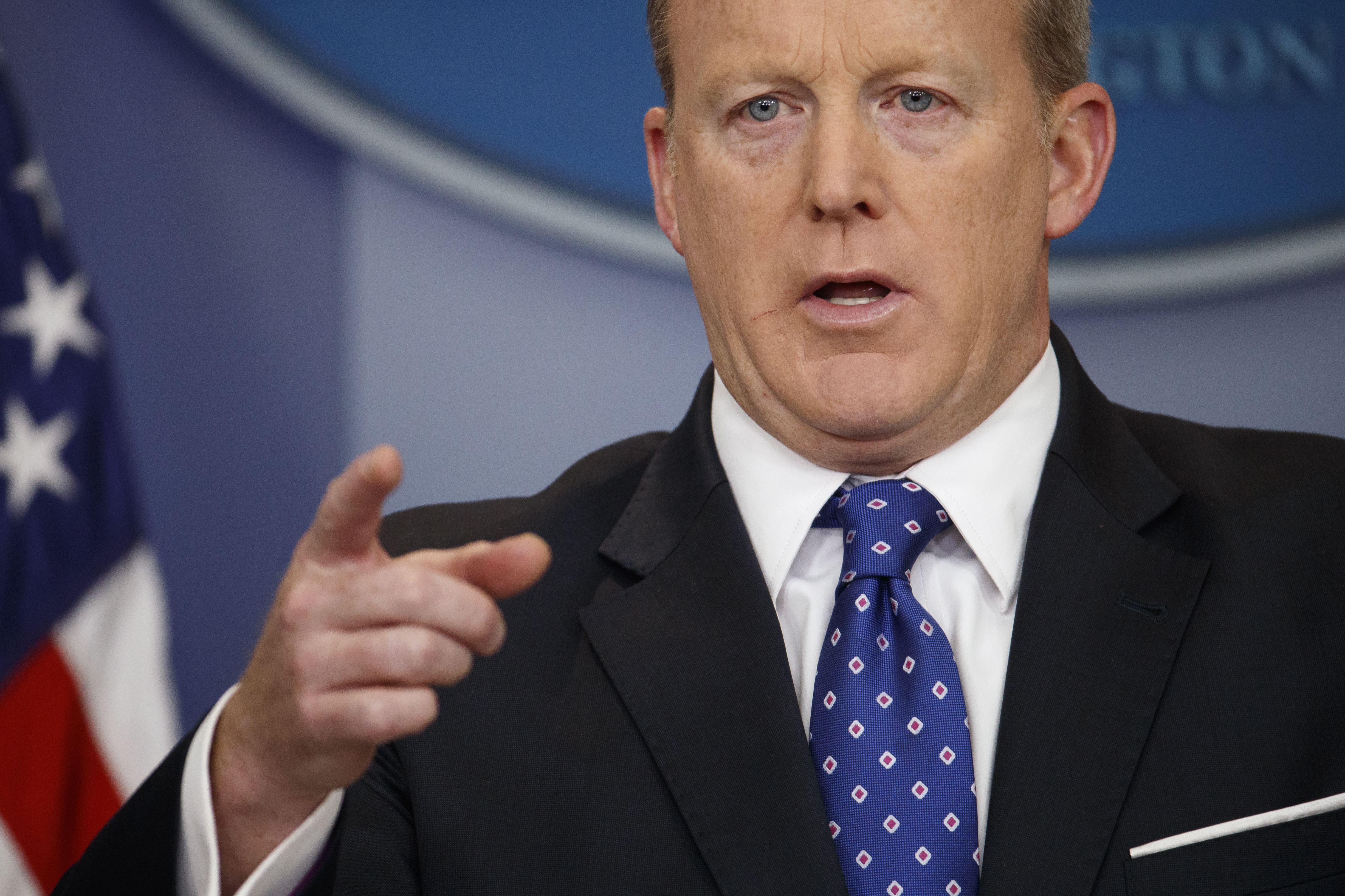 Sean Spicer Steps Down