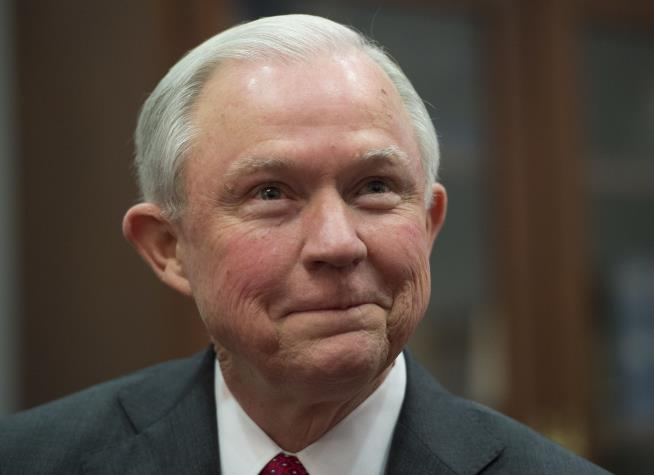 U-M law faculty join 1400 against Jeff Sessions as attorney general