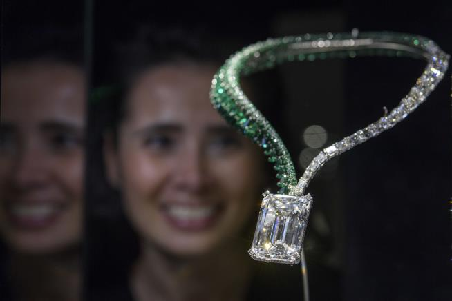 Biggest diamond ever to be sold fetches £25 million at auction