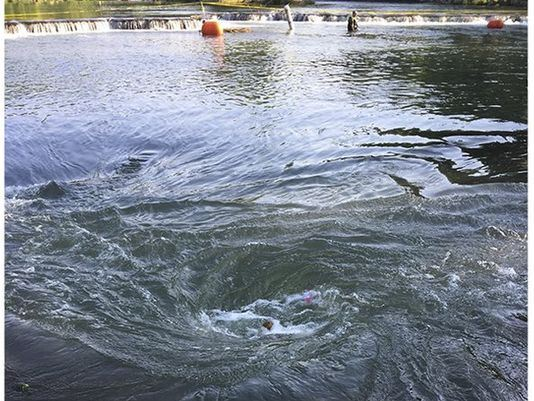 Boater dies after sinkhole creates whirlpool on Arkansas river