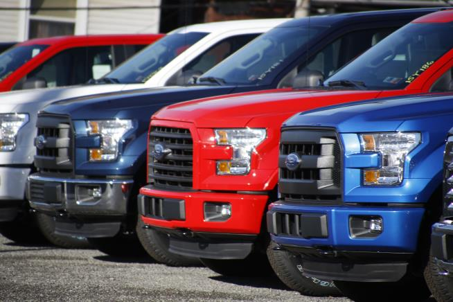 Ford issues recall on F-150