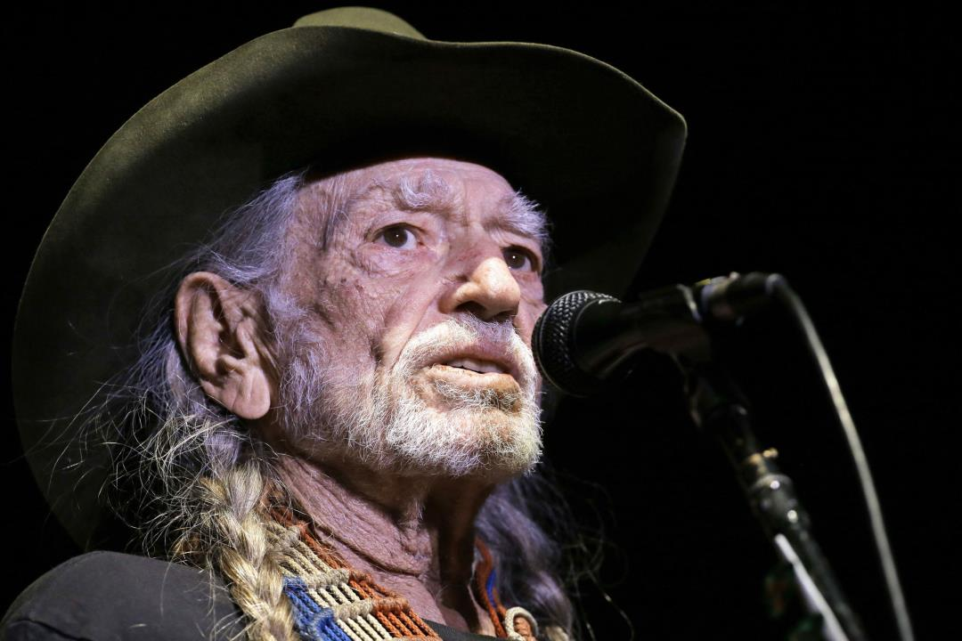 Willie Nelson Irks Some Fans With Concert First