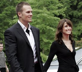 New England Patriots quarterback Tom Brady, left, is shown in this June 12, 2005, file photo arriving with his former girlfriend, actress Bridget Moynahan, at team owner Robert Kraft's home in Brookline, Mass.  The actress gave birth to a baby boy in Los Angeles on Wednesday, Aug. 22, 2007, Moynahan's...