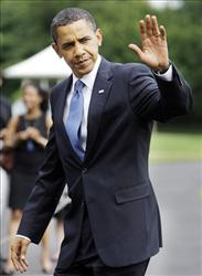 President Barack Obama arrives on the South Lawn of the White House in Washington, Thursday, June 11, 2009, after a day trip to Green Bay, Wis.