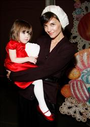 Katie Holmes and her daughter Suri Cruise visit 'The Nutcracker' at the New York City Ballet on December 14, 2008 in New York City.