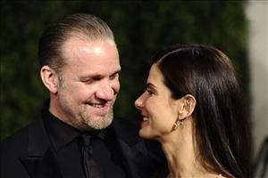 Sandra Bullock and Jesse James in happier times, like a month ago.