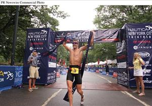 Greg Bennett wins last year's Nautica New York City Triathlon.