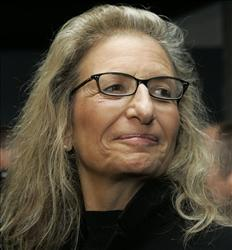 In this Oct. 29, 2009 file photo, Annie Leibovitz poses for the media, prior to a media tour through her exhibition at Kunsthaus Gallery in Vienna.