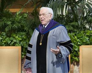 Robert H. Schuller leads a prayer at the Crystal Cathedral in Garden Grove, Calif.
