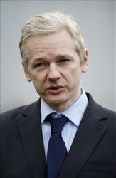 WikiLeaks founder Julian Assange won't likely be in Florida to fight David Pitchford's lawsuit.