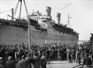 A ship bringing back the French prisoners of war, liberated by the Soviet advance, arrived in Odessa, April 6, 1945, in the port of Marseilles, while a large crowd came to greet them.