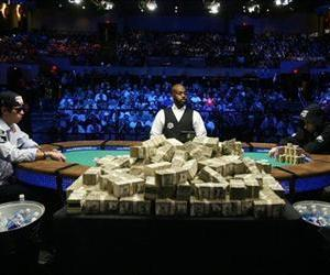 John Racener, left, and Johnathan Duhamel, right, compete in the World Series of Poker in Vegas last year.