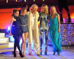 Jennifer Lopez, Cameron Diaz, Thomas Gottschalk, Heidi Klum, and Michelle Hunziker on June 18, 2011 in Palma de Mallorca, Spain.