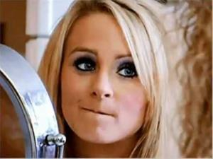 Leah Messer strikes a pose in reality show Teen Mom 2.