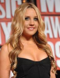 Amanda Bynes arrives at the MTV Video Music Awards on Sunday, Sept. 13, 2009 in New York.