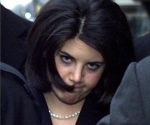 Monica Lewinsky walks back to a hotel in Washington in this Feb. 2, 1999, file photo.
