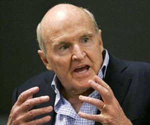 In this Sept. 27, 2006 file photo, former General Electric CEO Jack Welch addresses students at the Massachusetts Institute of Technology, in Cambridge, Mass.
