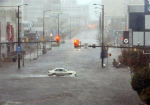 Flooding and high winds arrive along North Michigan Avenue in Atlantic City, NJ, Monday Oct. 29, 2012.