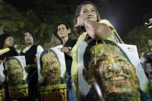 Chavez supporters gather in Caracas' Bolivar square to mourn his death.