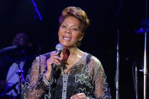 Dionne Warwick performs a medley of her tunes at the Los Angeles Urban Leagues Whitney M. Young Jr. Awards Dinner in Los Angeles, CA Thursday April 12, 2007.