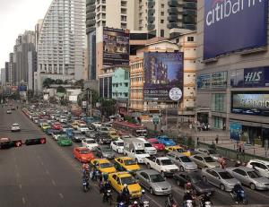 The driver says Pilkington became agitated after they become stuck in heavy traffic on Sukhumvit Road.