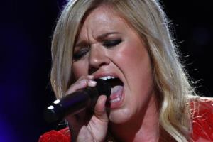 Kelly Clarkson: Pre-American Idol, the singer reportedly found herself sleeping in her car and showering at her gym.