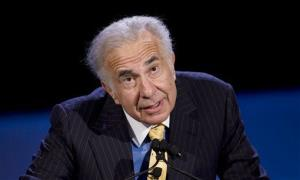 Private equity investor Carl Icahn speaks at the World Business Forum in New York.
