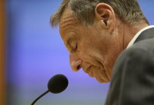 San Diego Mayor Bob Filner speaks after resigning at a city council meeting Friday.