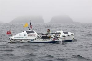 Outen, a 28-year-old British adventurer, has become the first woman to row solo from Japan to Alaska.