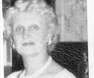 A photo of Helen Kramer.