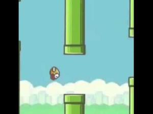 The addictive but fiendishly difficult game Flappy Bird has been pulled from app stores.