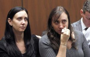 Evin Collins and Bonnie Stow, sisters of beating victim Bryan Stow, are seen during yesterday's hearing.