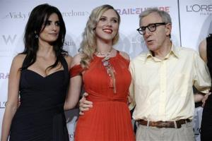 Woody Allen, right, writer/director of Vicky Cristina Barcelona, poses with cast members Penelope Cruz, left, and Scarlett Johansson at the premiere of the film in Los Angeles, Monday, Aug. 4, 2008.