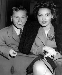 Mickey Rooney and wife, Ava Gardner, arrive in New York in January 1942, en route to Boston where Rooney appeared at a Red Cross benefit.