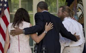 President Obama walks with Jani and Bob Bergdahl, parents of Bowe.