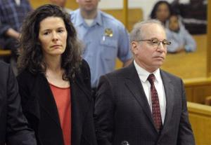 In this May 16, 2014 file photo, Paul Simon, right, and his wife, Edie Brickell, appear in Superior Court in Norwalk, Conn., for a disorderly conduct case.