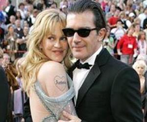 This Feb. 27, 2005 file photo shows actor Antonio Banderas with his wife Melanie Griffith, left, at the 77th Academy Awards in Los Angeles.