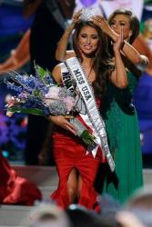 Miss Nevada USA Nia Sanchez is crowned Miss USA in Baton Rouge, La., on June 8, 2014.