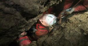 Rescuers transport injured cave explorer Johann Westhauser out of Riesending cave in southern Germany.