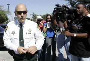 Broward County Sheriff Al Lamberti, left, in Pompano Beach, Fla., Wednesday, Nov, 7, 2007.
