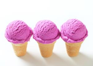 Manuel Linares' ice cream changes from periwinkle blue to pink to purple.