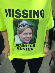 A T-shirt with Jennifer Huston's image.