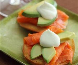 California Avocado Commission/Bruce Family California Avocado and Smoked Salmon on Homemade Bagel Chips