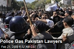 Police Gas Pakistan Lawyers