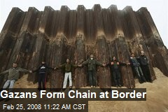 Gazans Form Chain at Border