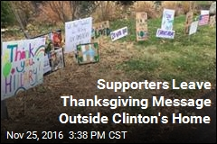 Clinton Thankful for Supporters' Thanks on Thanksgiving