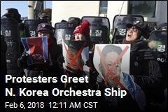 Protesters Greet N. Korea Orchestra Ship