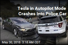 Tesla on Autopilot Slams Into Police Car