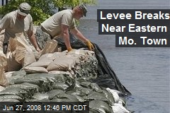 Levee Breaks Near Eastern Mo. Town