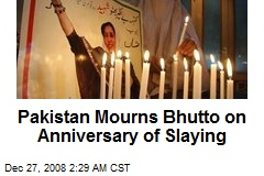 Pakistan Mourns Bhutto on Anniversary of Slaying